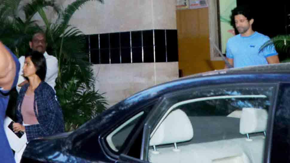 Farhan Akhtar spotted with girlfriend Shibani Dandekar as they step out in Bandra