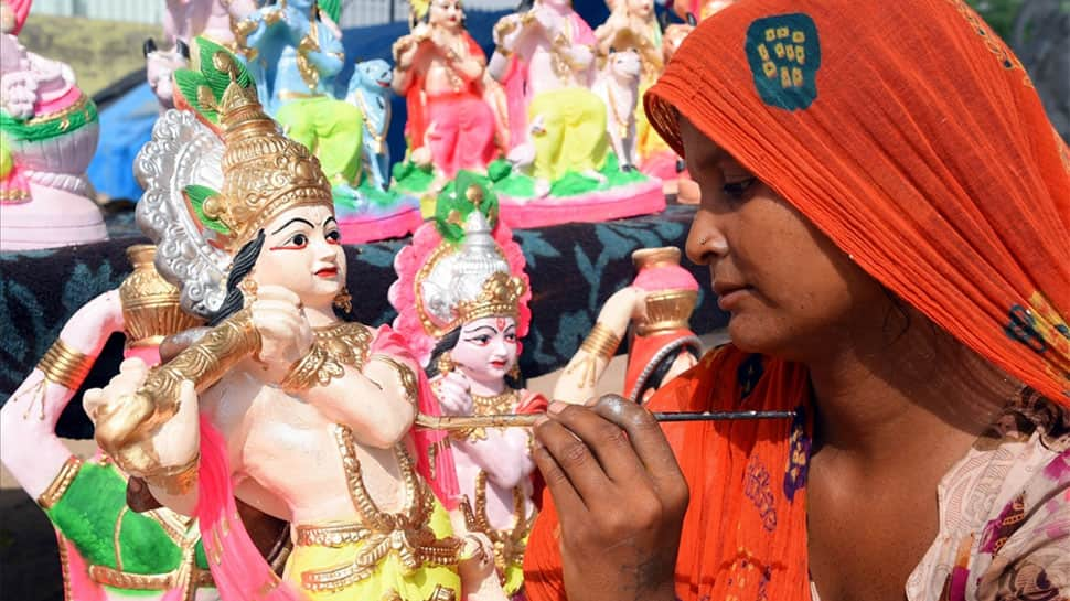 Janmashtami 2019: Top SMS, WhatsApp and Facebook messages for your loved ones