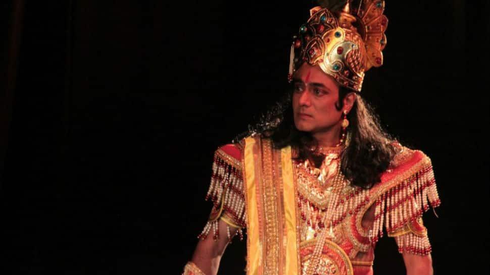 Nitish Bhardwaj returns as Krishna on stage