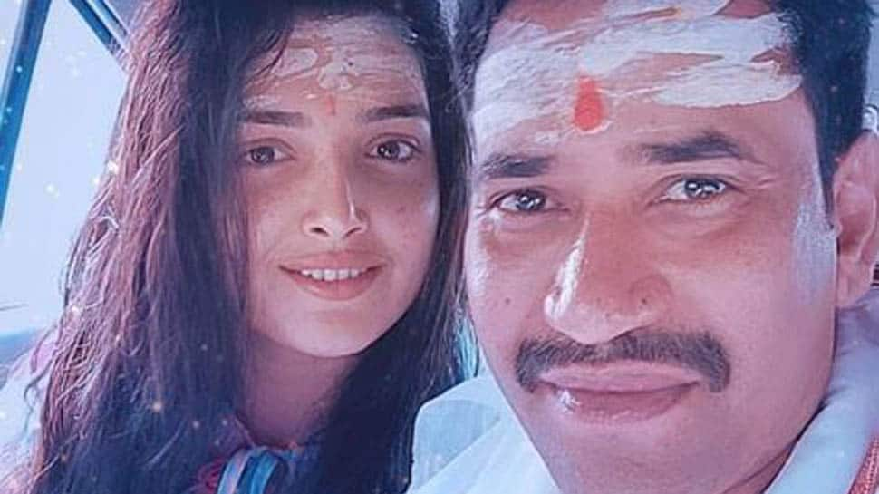 Aamrapali Dubey- Dinesh Lal Yadav starrer 'Nirahua The Leader' goes on floors- See pic