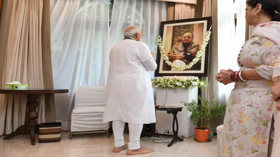 PM Narendra Modi visits Arun Jaitley's residence, meets family