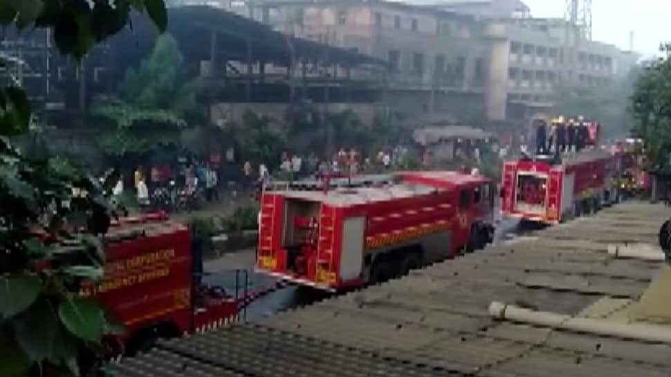 Fire breaks out in cloth factory in Gujarat's Pandesara, 18 fire tenders at spot