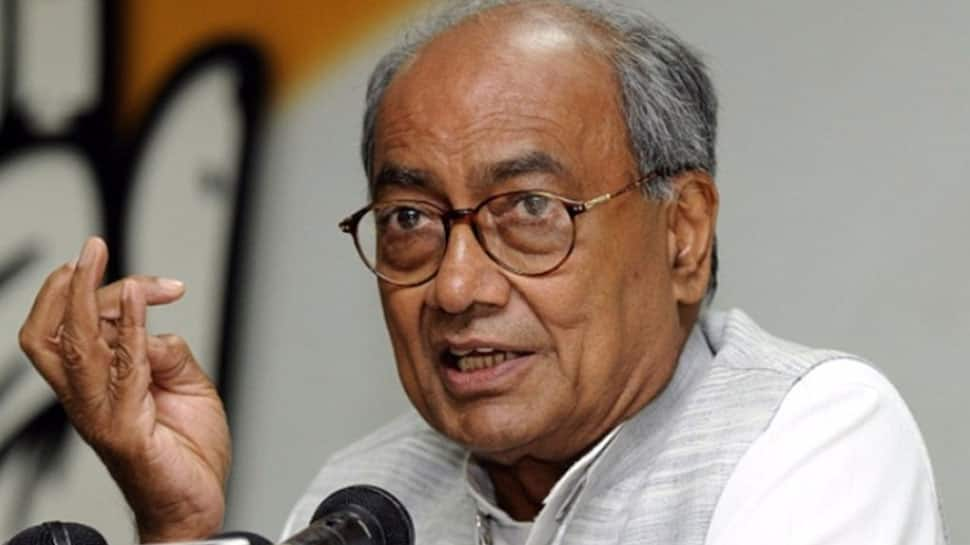 Digvijaya alleges BJP and Bajrang Dal taking money from Pakistan's ISI, later denies