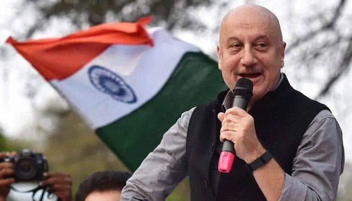 Anupam attends Nick's concert with Priyanka, pens note