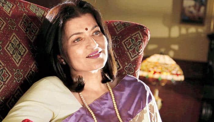 Sarika to produce Aamir Khan's daughter's play