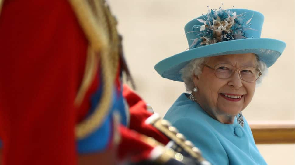 When Queen Elizabeth played prank on American tourists
