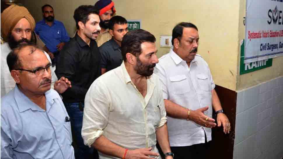 Gurdaspur firecracker factory blast: MP Sunny Deol meets injured at hospital