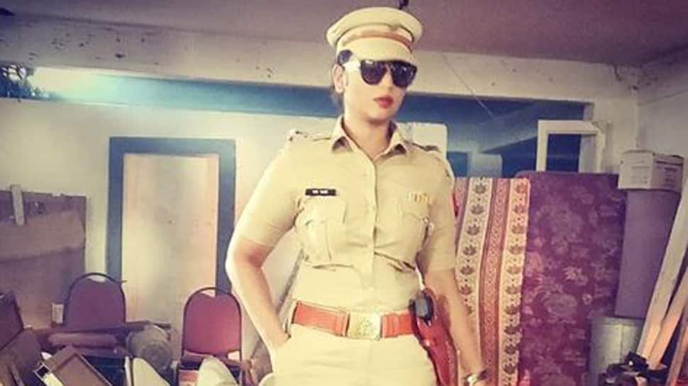 Rani Chatterjee dresses like a cop, shares pic-See inside