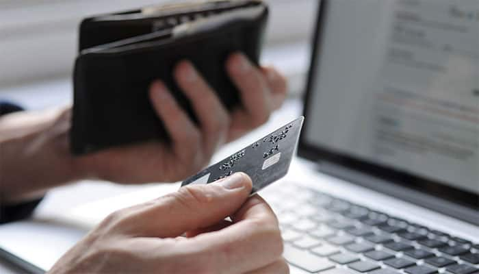 Traders raise objections against festive e-commerce discounts, urge government to step in