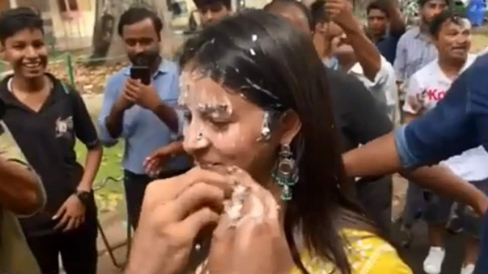 Kartik Aaryan smears cake on Ananya Panday's face and these videos are hilarious—Watch
