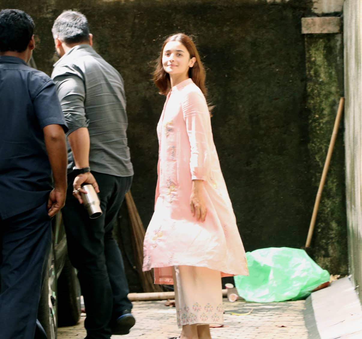 Alia was snapped in a salwar suit