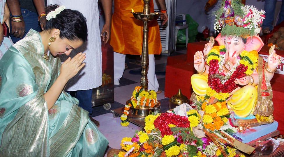 Kangana Ranaut visits Andhericha Raja for Ganpati darshan—Pics