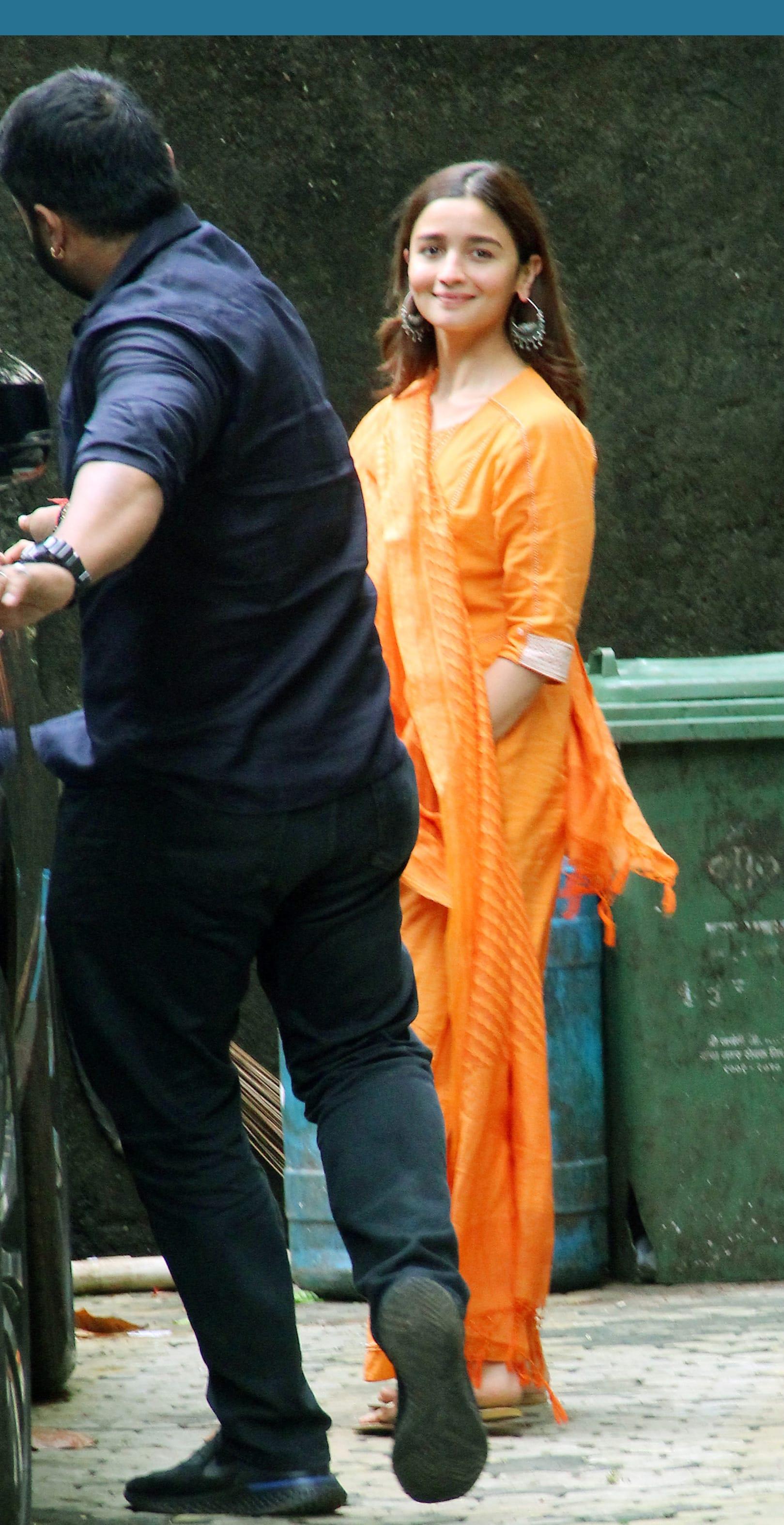Alia Bhatt clicked outside Bhansali's office in Mumbai