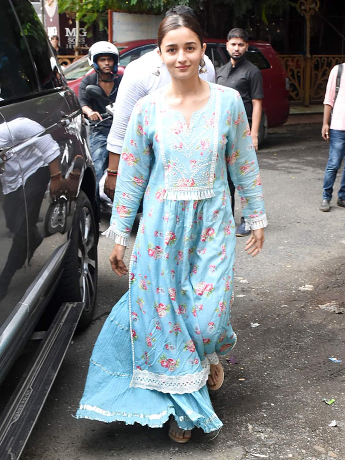 Alia Bhatt is all smiles!