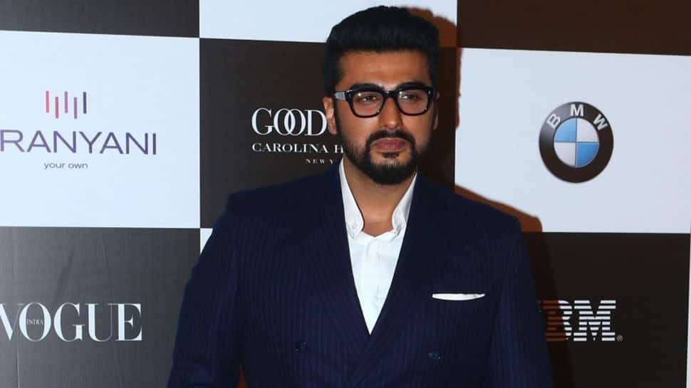 Twitter user trolls Arjun Kapoor for praising other films, actor shuts him in style