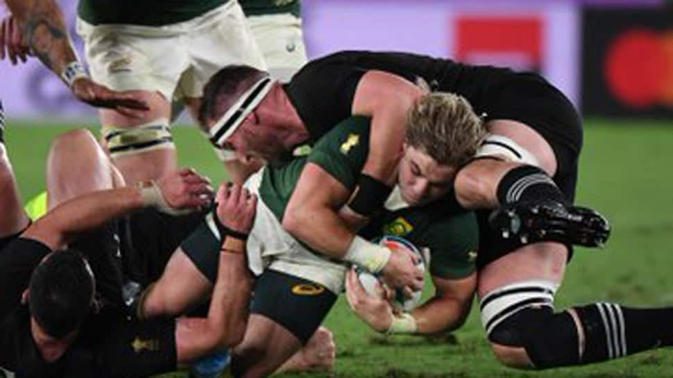 Rugby World Cup: New Zealand hold off South Africa 23-13, France edge past Argentina
