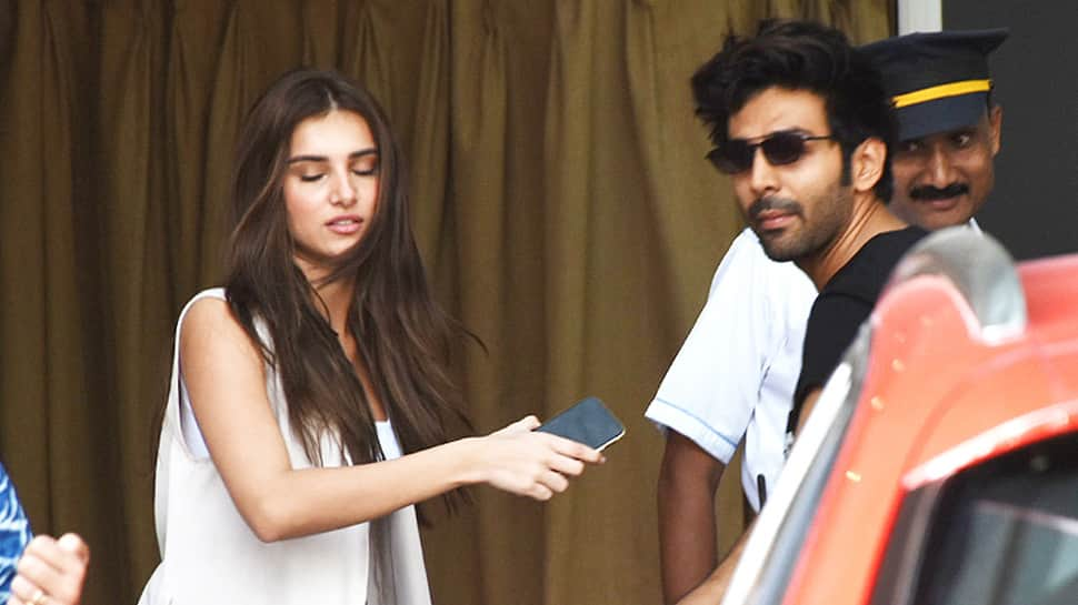 Kartik Aaryan spotted with Tara Sutaria and it's 'nobody's business'—Photos