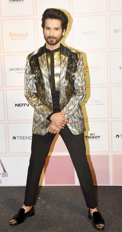 Shahid Kapoor puts his stylish foot forward