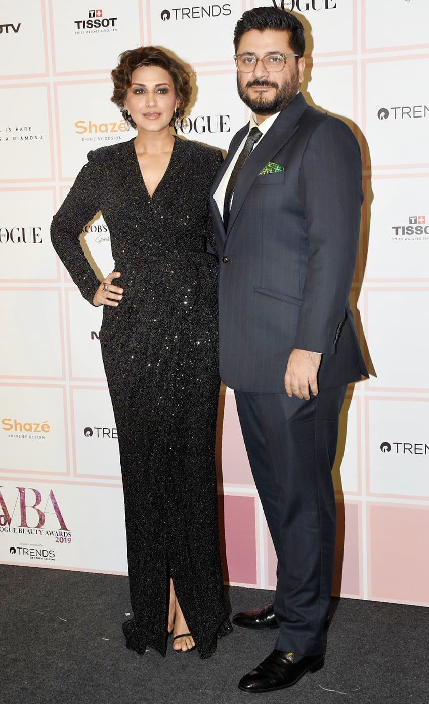 Sonali Bendre poses with hubby Goldie Behl