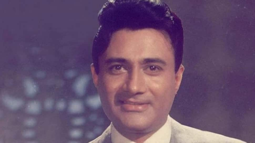 Rishi Kapoor pays tribute to Dev Anand on 96th birth anniversary