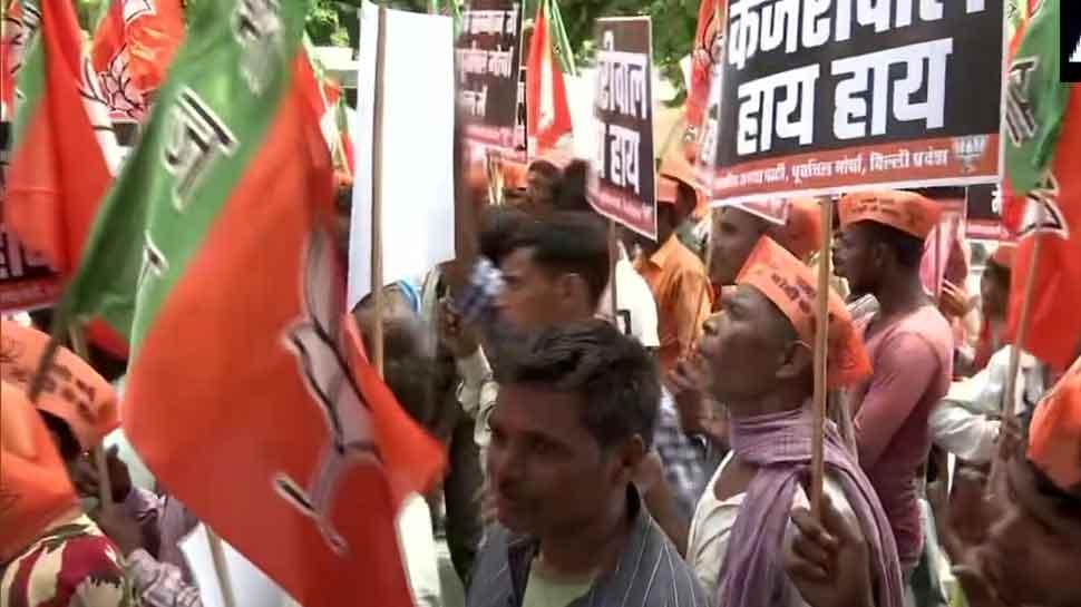 BJP protests outside Delhi CM Kejriwal's residence over his NRC remark against Manoj Tiwari