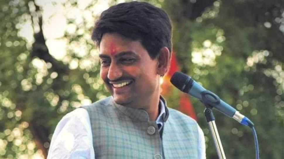 Former Congress MLA Alpesh Thakor to contest Gujarat bypoll on BJP ticket