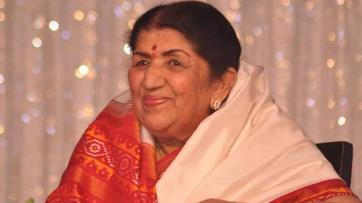 Lata Mangeshkar's sister unveils her book on melody queen