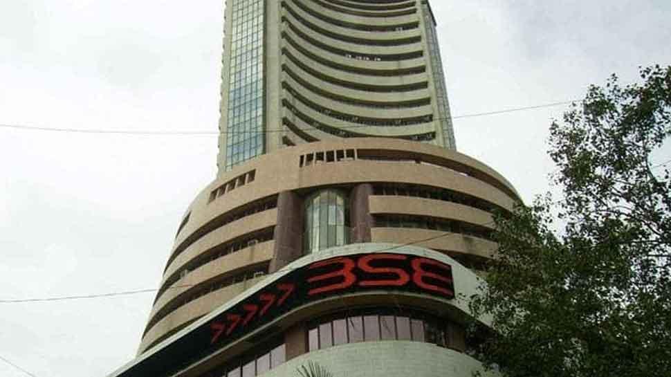 Sensex down 200 points, markets dip on fresh trade concerns