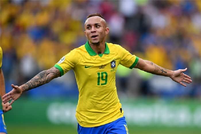 Brazil forward Everton Cebolinha to stay at Gremio till 2023