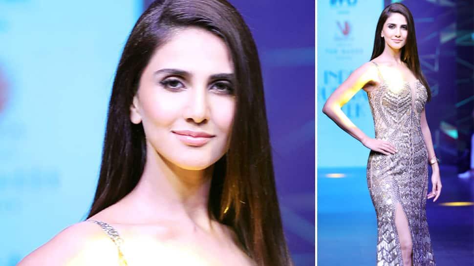 Vaani Kapoor glitters in gold at the runway—Pics
