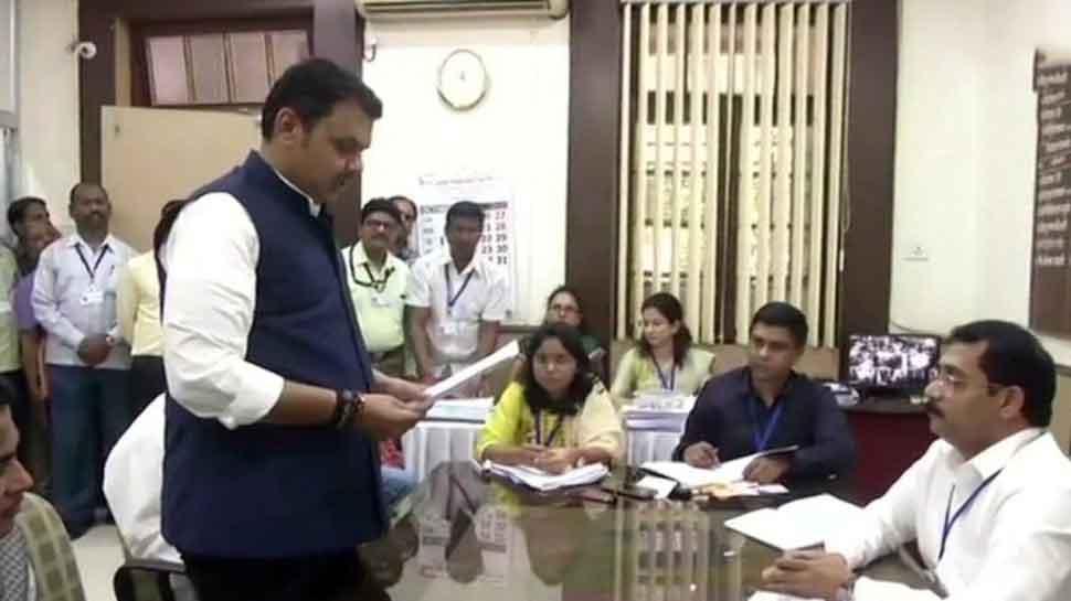 Old notary stamp used: Congress raises objection against affidavit of Maharashtra CM Devendra Fadnavis