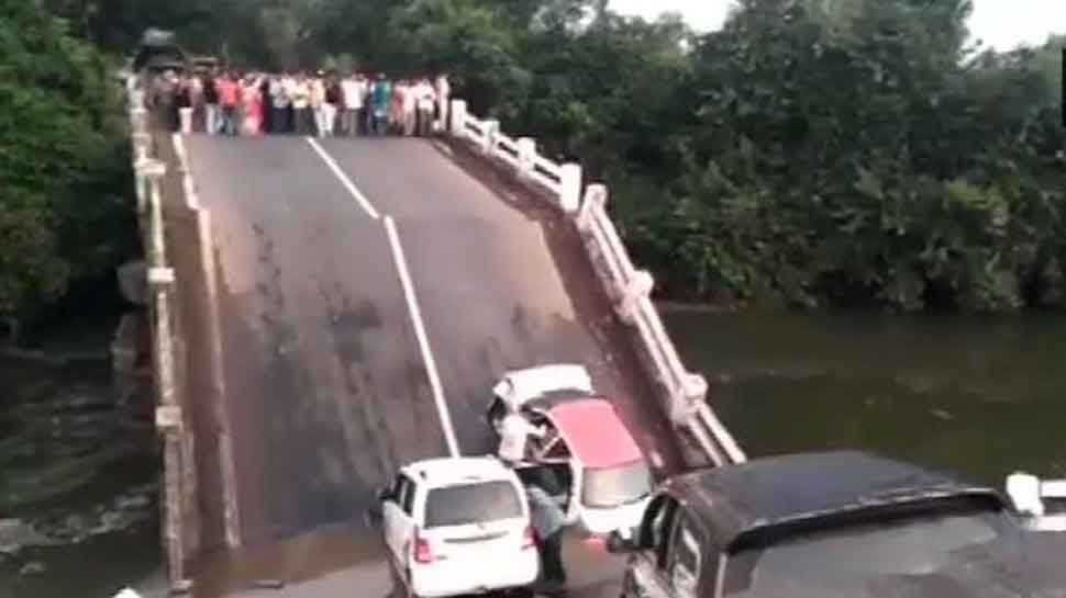 Bridge collapses in Gujarat's Junagadh, several feared trapped