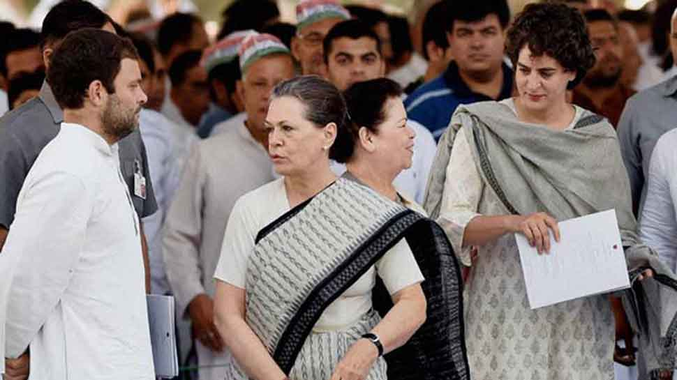 Centre revises security norms, says SPG must cover Gandhis on all foreign trips