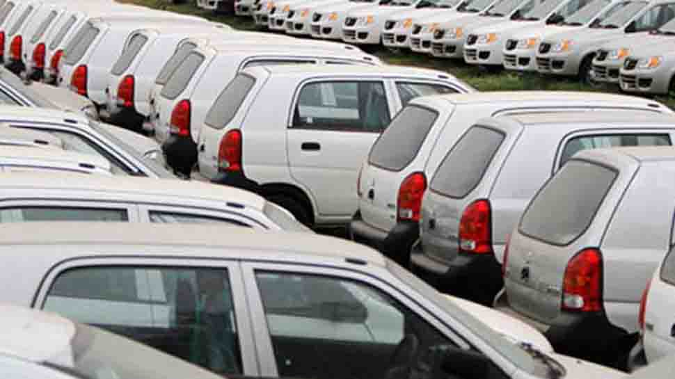 India's September passenger vehicle sales dive 24% as slowdown persists
