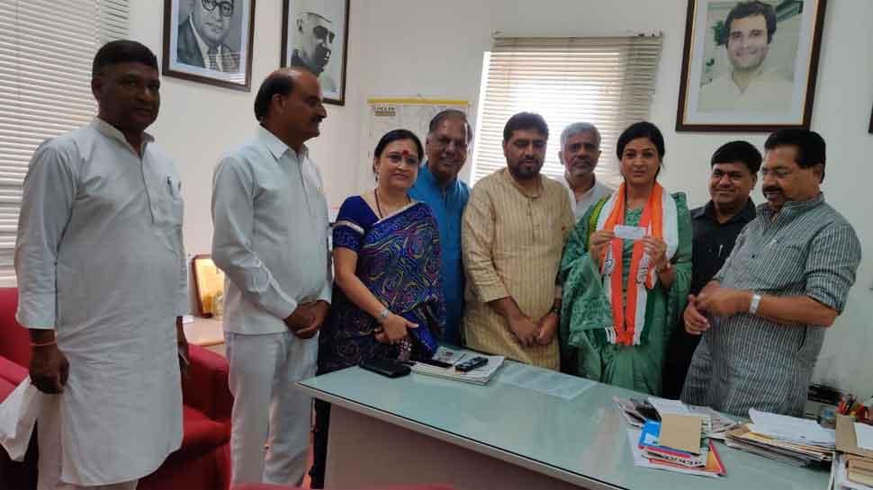 Ex-AAP MLA Alka Lamba rejoins Congress in presence of party leader PC Chacko