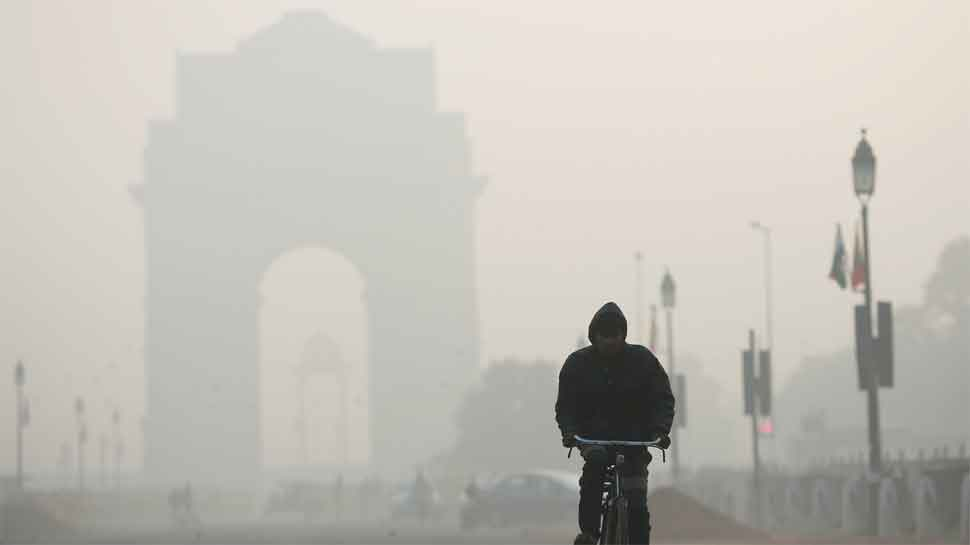 Delhi-NCR wakes up to hazy morning, air quality continues to be 'poor'