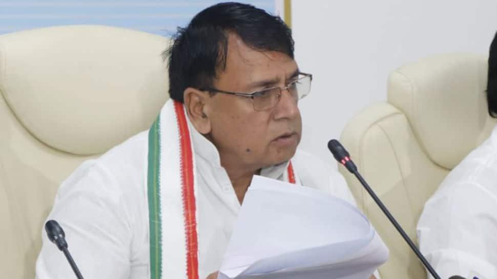 Roads in MP like Kailash Vijayvargiya cheeks, will make them like Hema Malini's: Minister