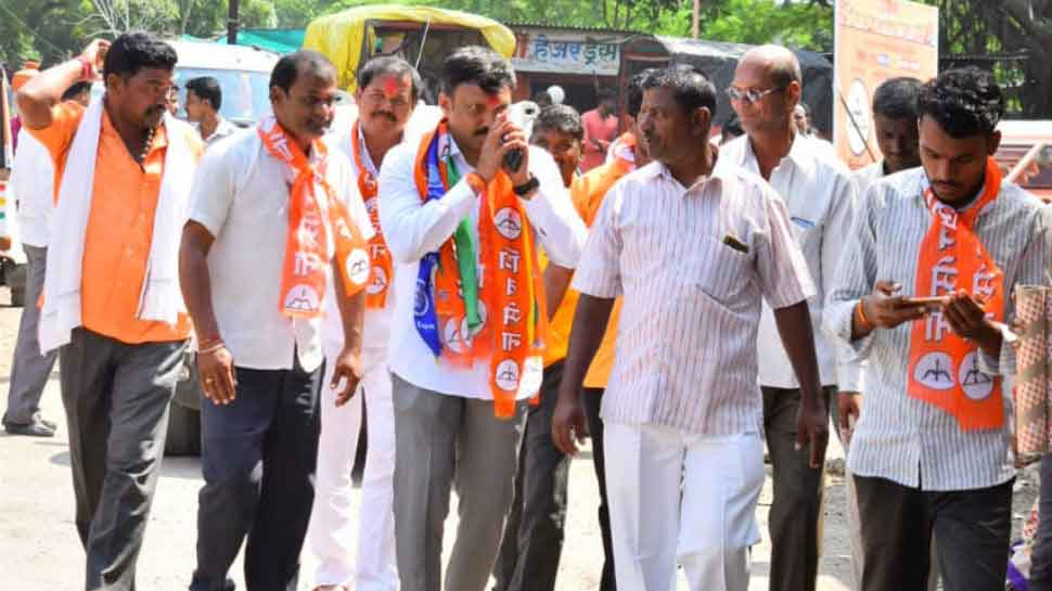 Shiv Sena MP Omraje Nimbalkar attacked with knife while campaigning in Osmanabad