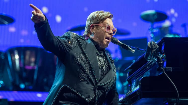Elton John finds new ''Lion King'' disappointing