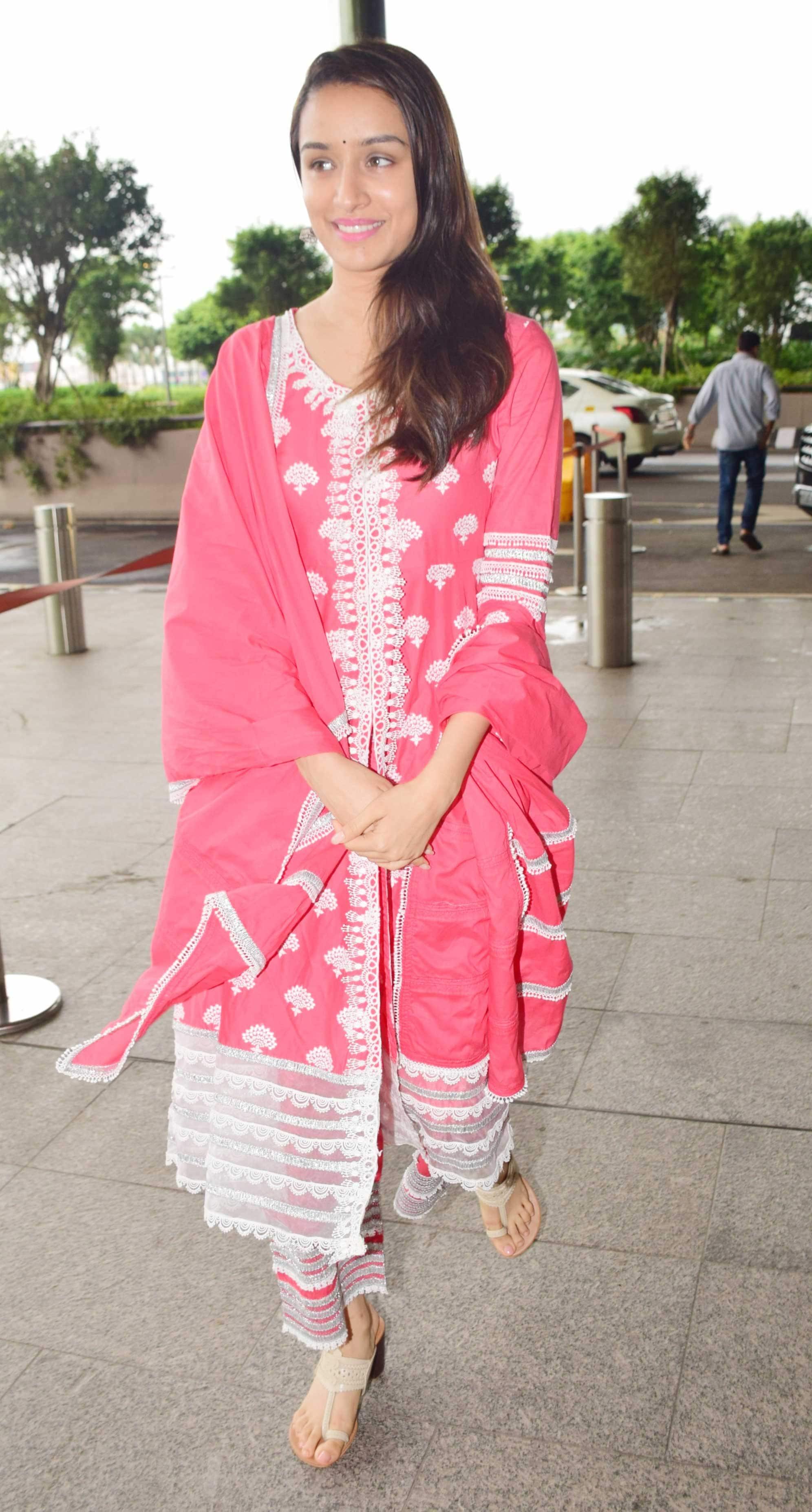 Shraddha Kapoor looks pretty in pink!