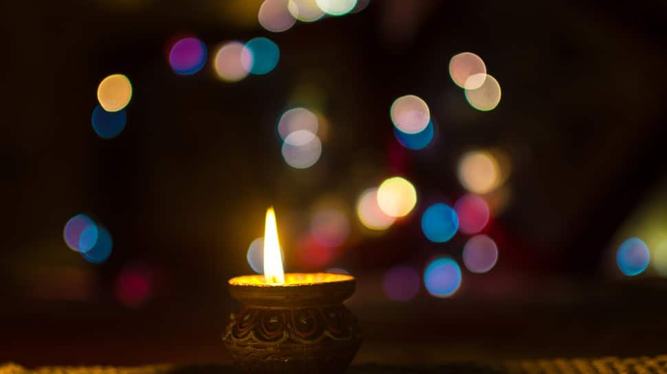 Diwali 2019: WhatsApp/SMS messages for your family and friends