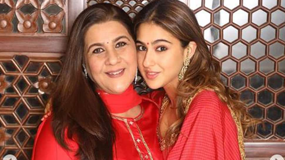 Sara Ali Khan twins with mom Amrita Singh on Diwali, posts vibrant pictures