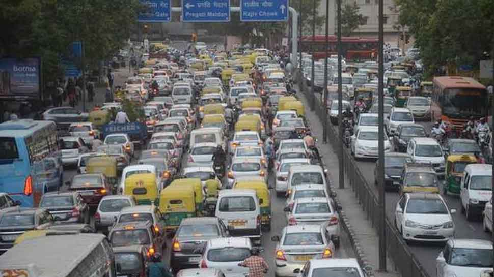 Odd-even: Delhi govt announces staggered working hours of its offices to curb air pollution