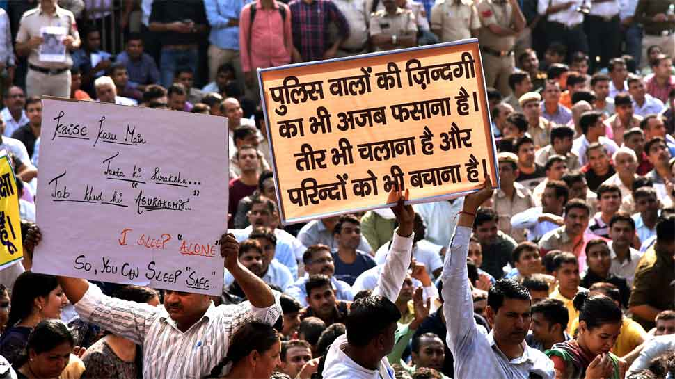 Delhi Police personnel end protest after assurances; review plea in High Court