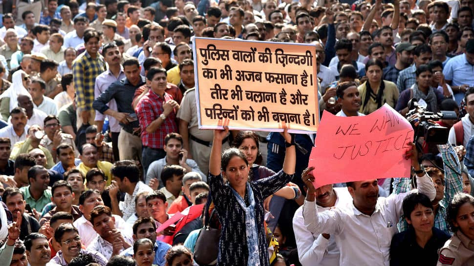 Supreme Court lawyer sends legal notice to Delhi Police for inaction over massive protest