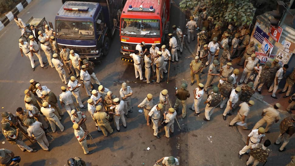 Lawyers, Delhi Police officials' meet fails to break impasse over Tis Hazari incident, strike to continue on Friday