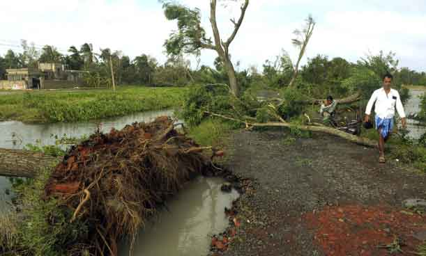 Six dead, 36 fishermen missing after cyclone Bulbul lashes Bangladesh