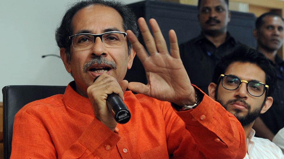 Shiv Sena likely to stake claim to form government in Maharashtra on Monday; Sanjay Raut may meet Congress leaders in Delhi