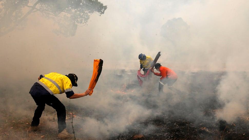 New blazes break out as Australians take shelter from intense bushfires