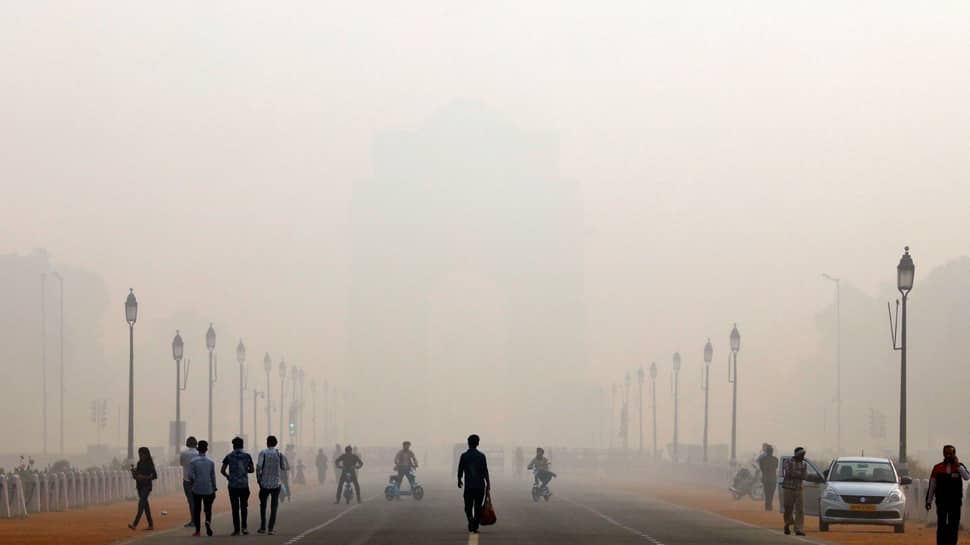 Delhi chokes as air pollution remains under 'severe' category; Chandni Chowk records highest Air Quality Index of 751